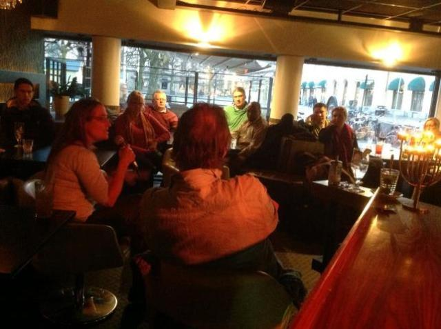 Grönt samtal på Tempel bar - Fotograf Asso Zand